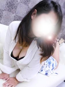 9/8(金)プルンプルンの豊乳が自慢の奥様『はるか』さん♪入店です!
